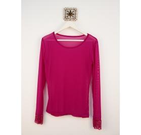 Camiseta tul rosa fúcsia manga encaje